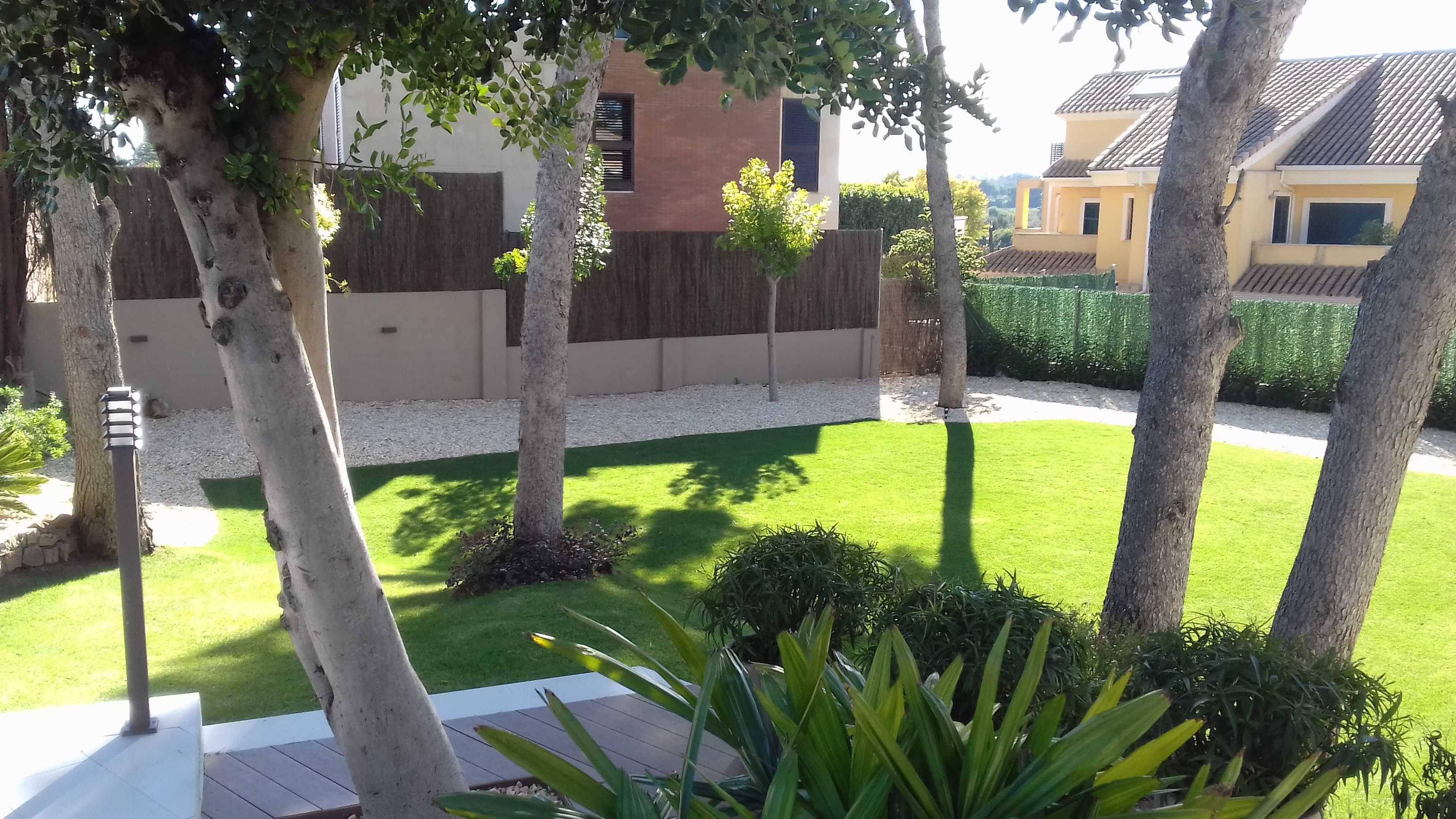 Jardín privado (Horta Nord-Valencia)