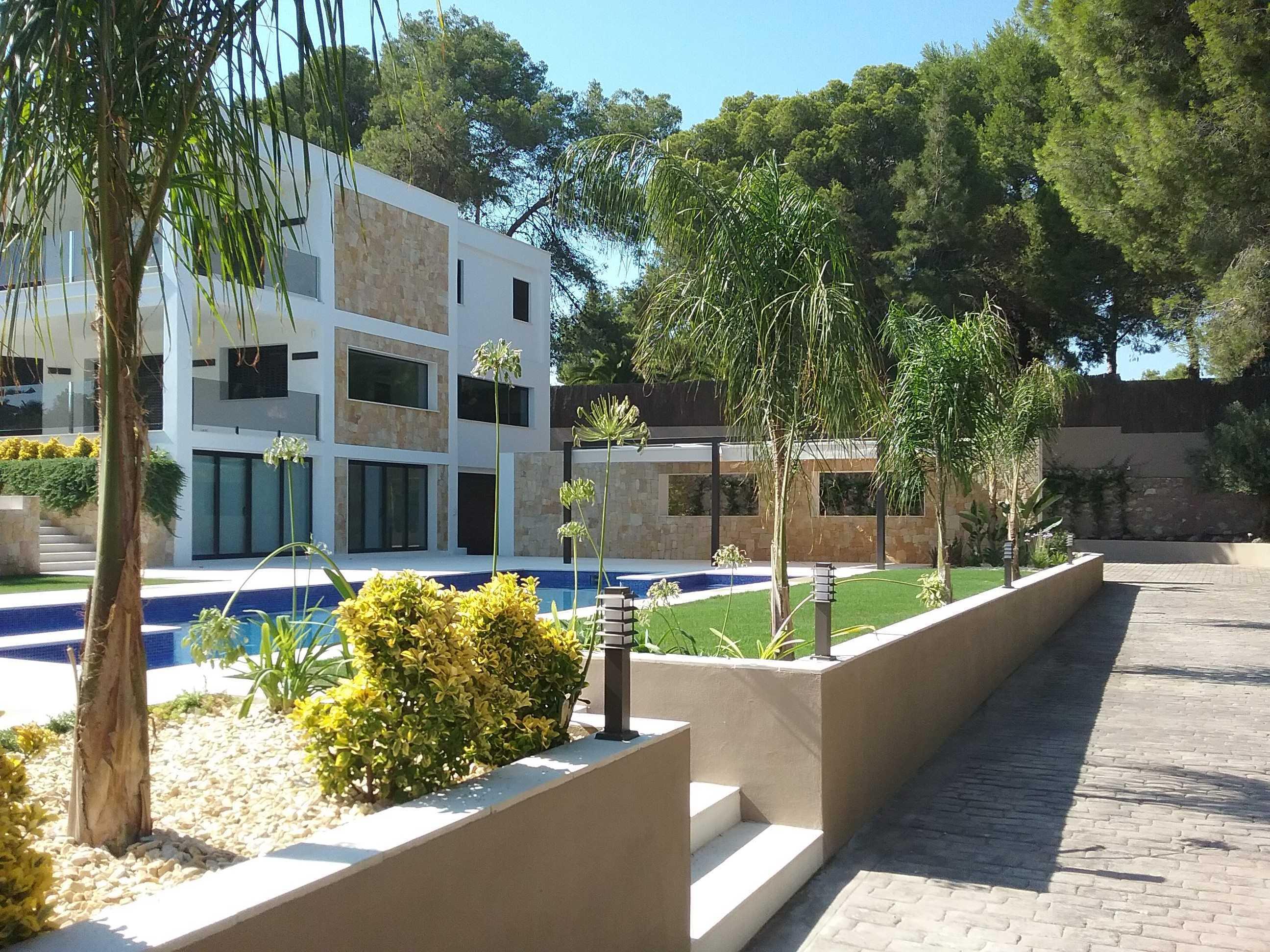 Jardín privado en Urbanización (Valencia)